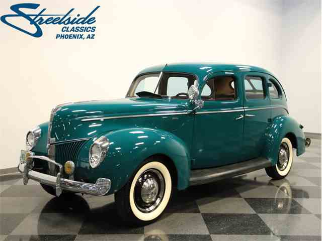 1940 Ford Deluxe | 1039160