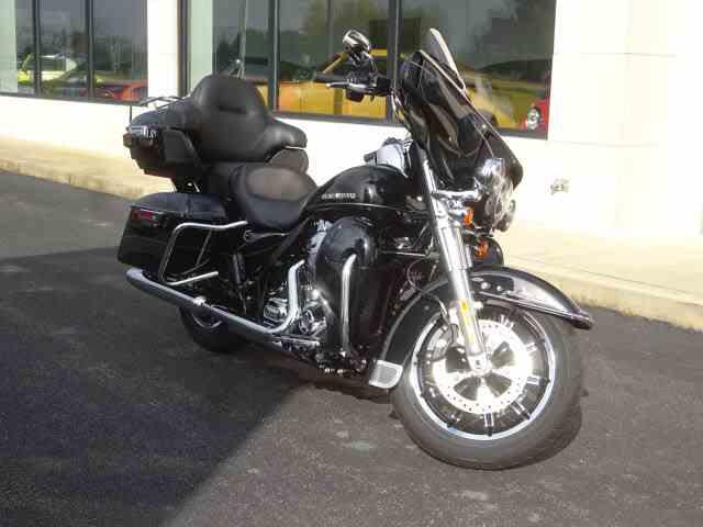 2015 Harley-Davidson FLHTKL | 1039210