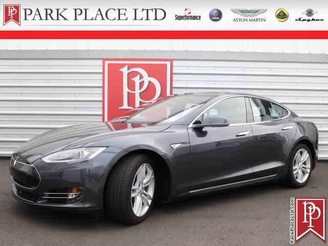 2015 Tesla Model S   1030924