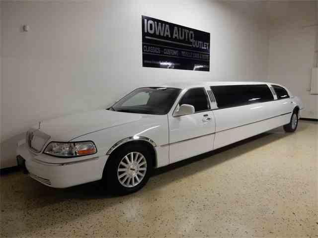 2005 Lincoln Limousine   1039264