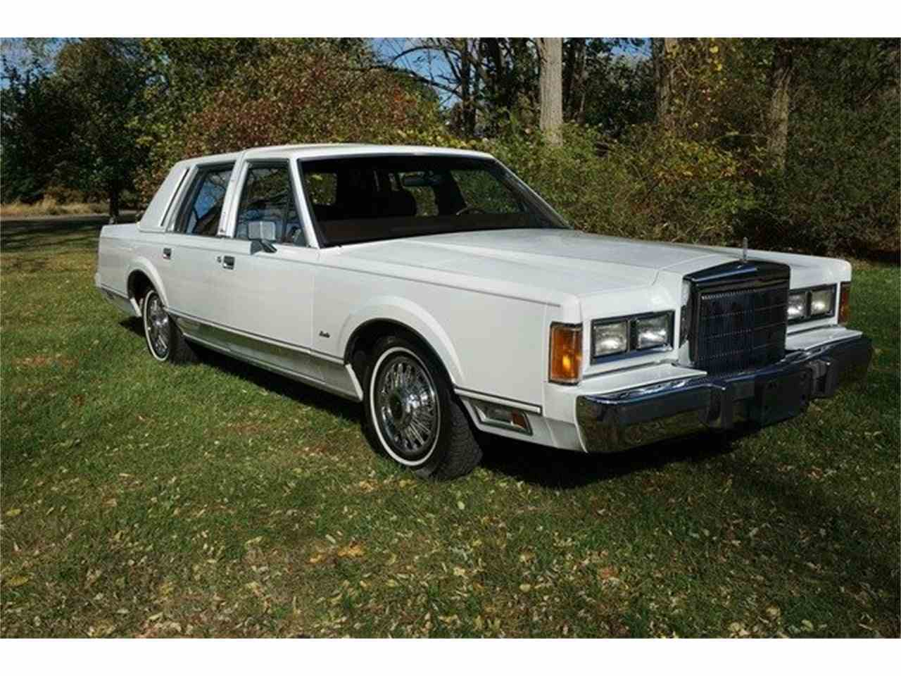 Large Picture of '89 Lincoln Town Car located in New Jersey - $7,950.00 Offered by Lance Motors - MA1A
