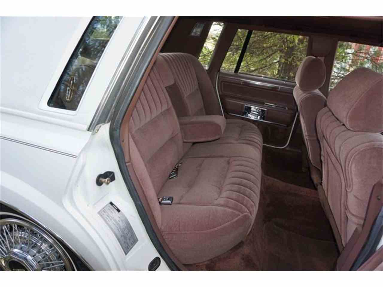 Large Picture of '89 Lincoln Town Car located in Monroe New Jersey - $7,950.00 Offered by Lance Motors - MA1A