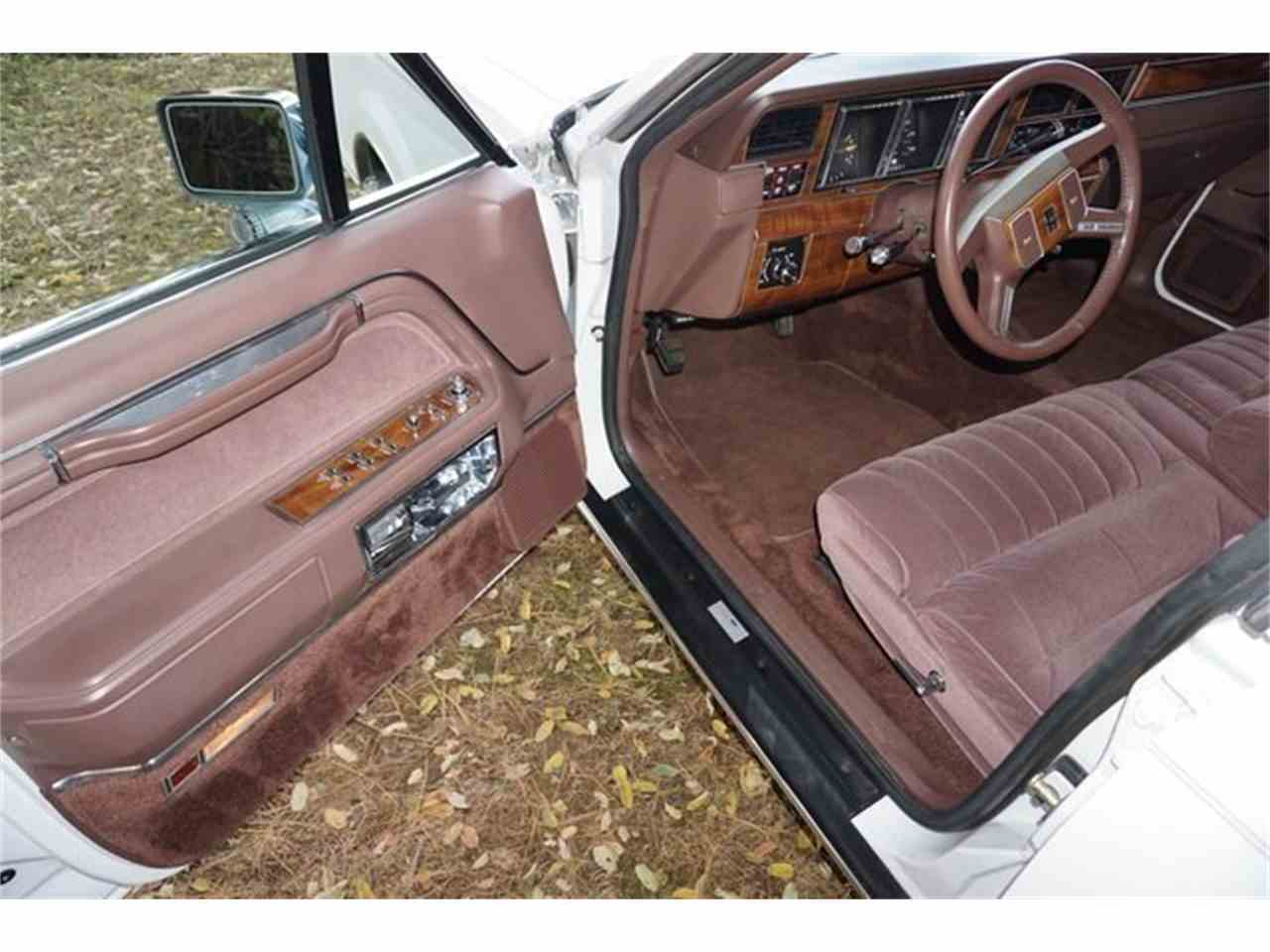 Large Picture of '89 Town Car - $7,950.00 Offered by Lance Motors - MA1A
