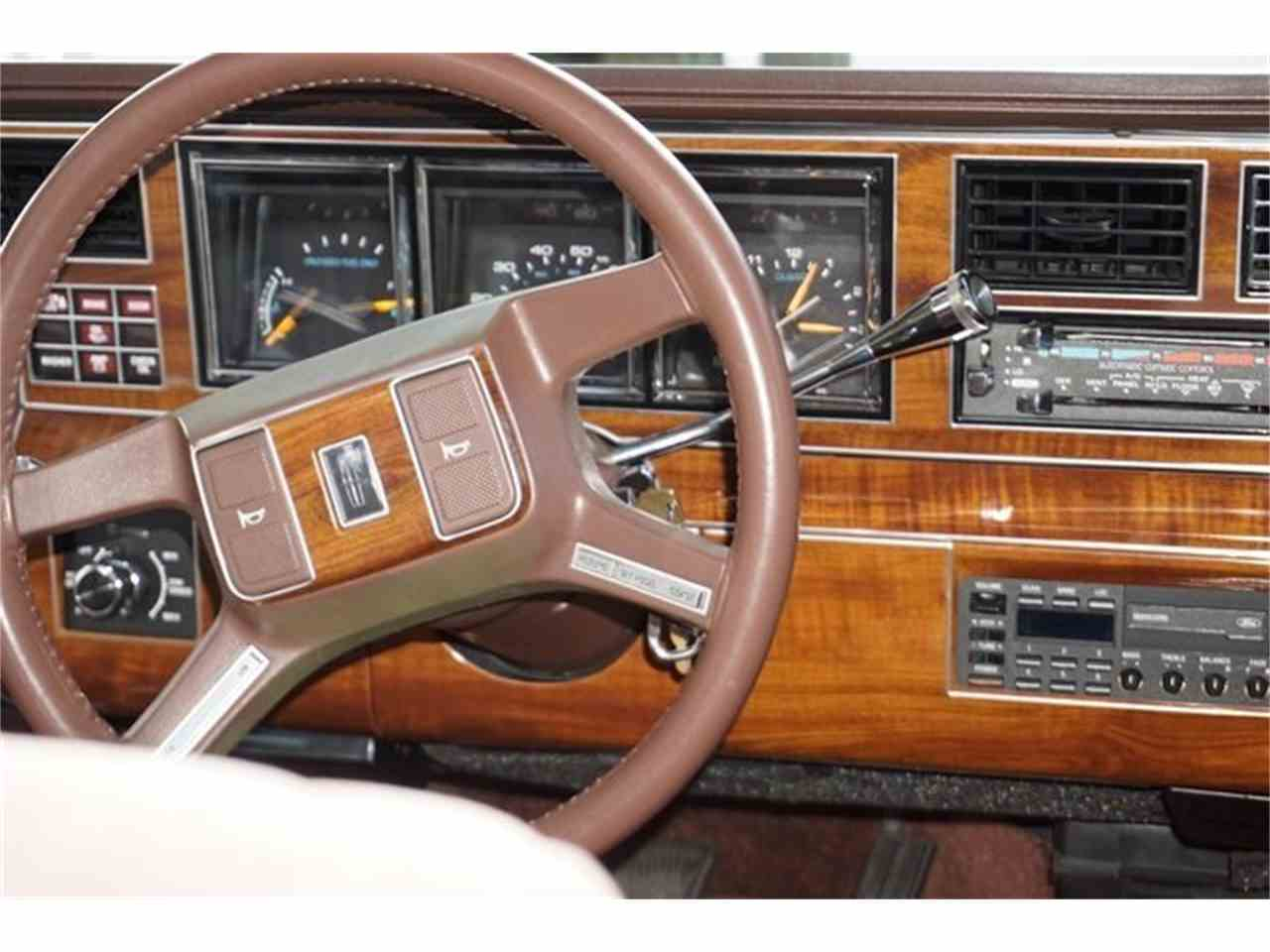 Large Picture of 1989 Town Car - $7,950.00 - MA1A