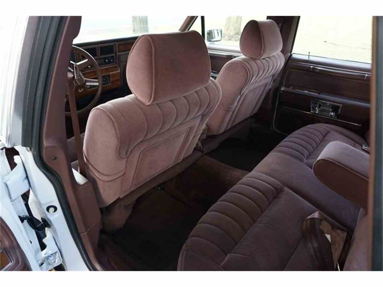 Large Picture of '89 Lincoln Town Car located in New Jersey - $7,950.00 - MA1A