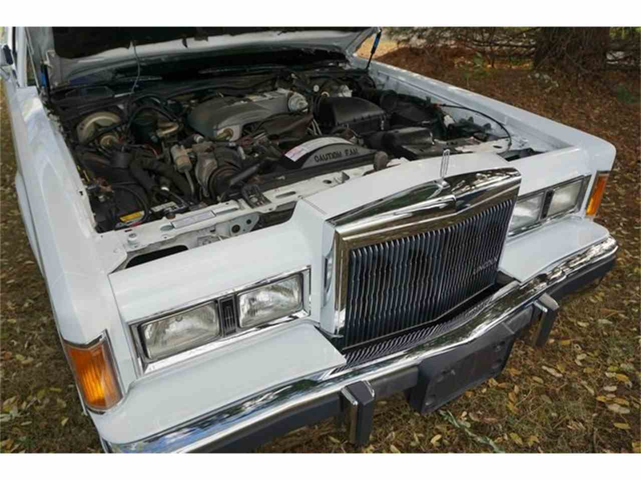 Large Picture of 1989 Town Car Offered by Lance Motors - MA1A