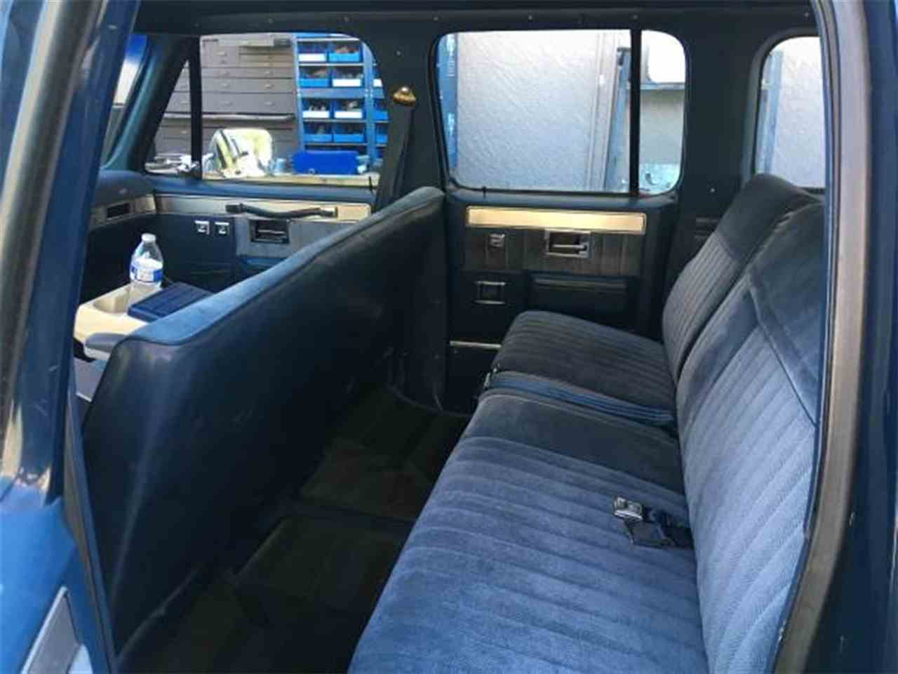 Large Picture of '87 Suburban - MBK7