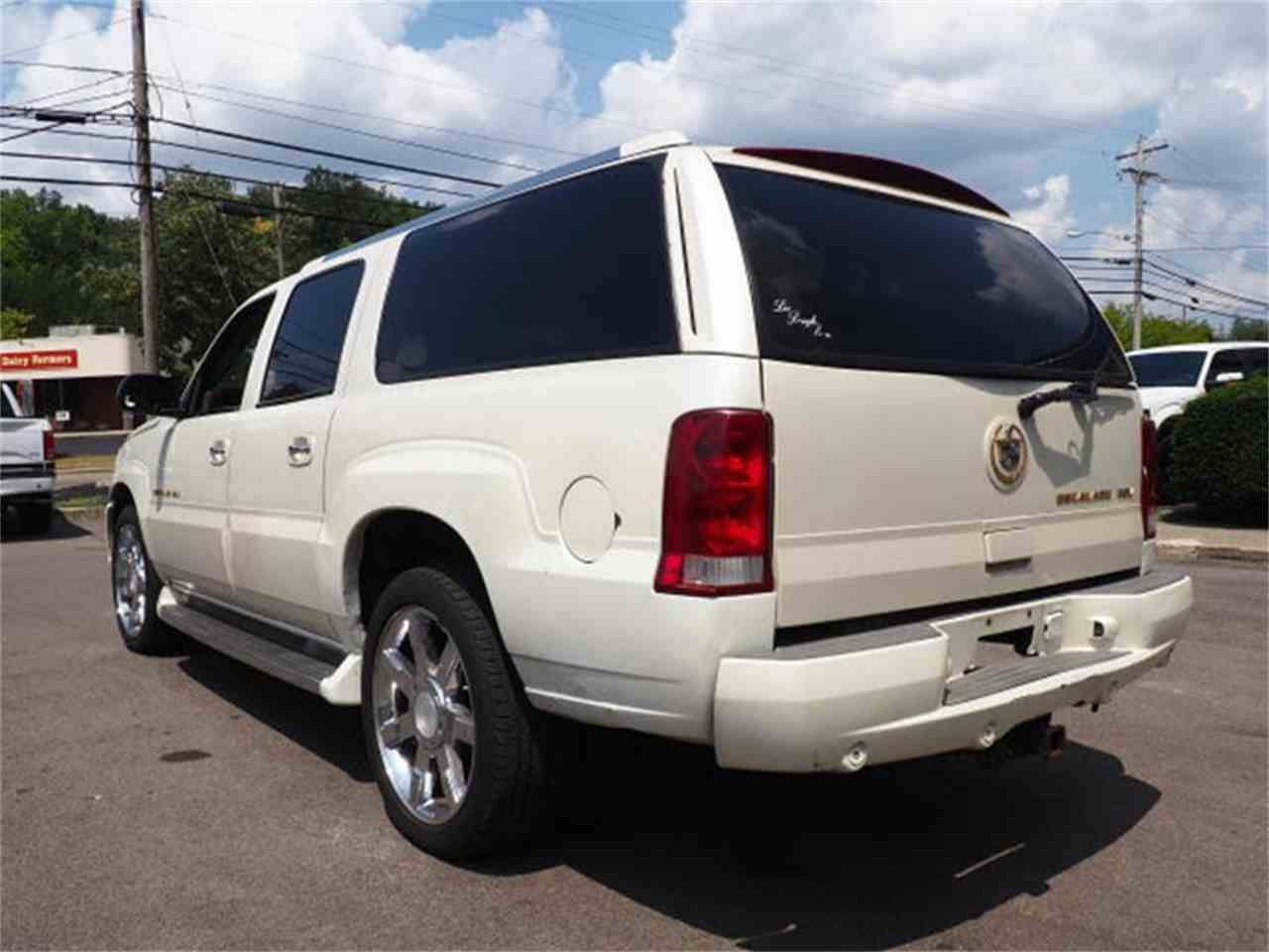 Large Picture of 2003 Cadillac Escalade located in Loveland Ohio - $3,000.00 - MBL6