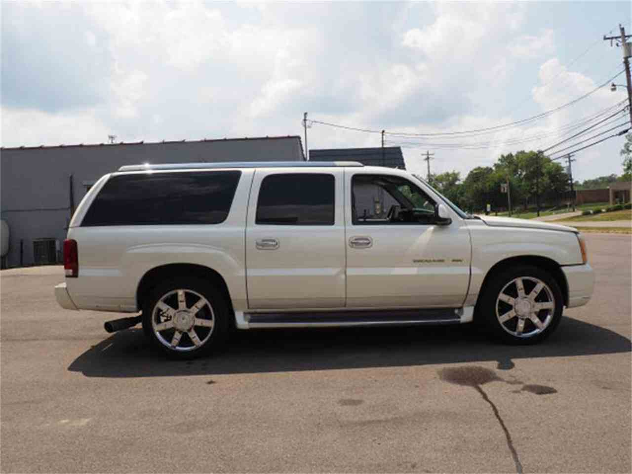 Large Picture of 2003 Escalade - $3,000.00 Offered by Cincinnati Auto Wholesale - MBL6