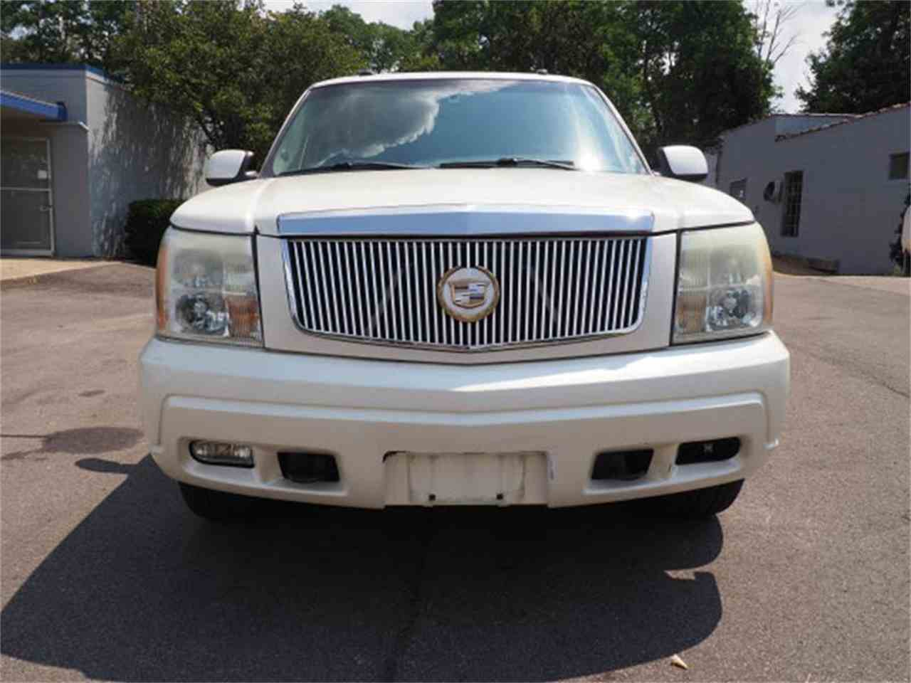 Large Picture of '03 Escalade - MBL6