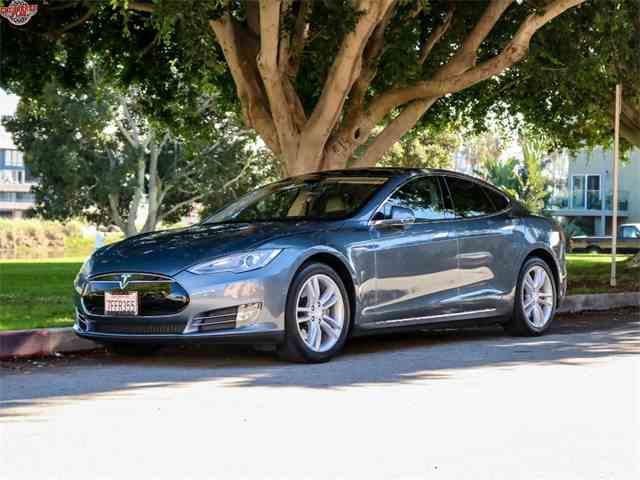 2014 Tesla Model S | 1040206