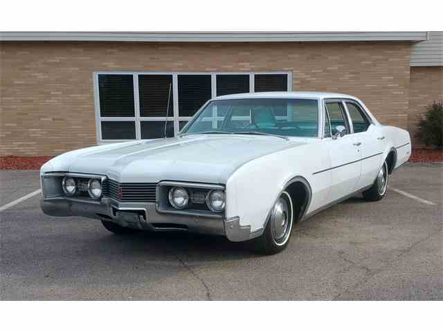 1967 Oldsmobile Delta 88 | 1042094