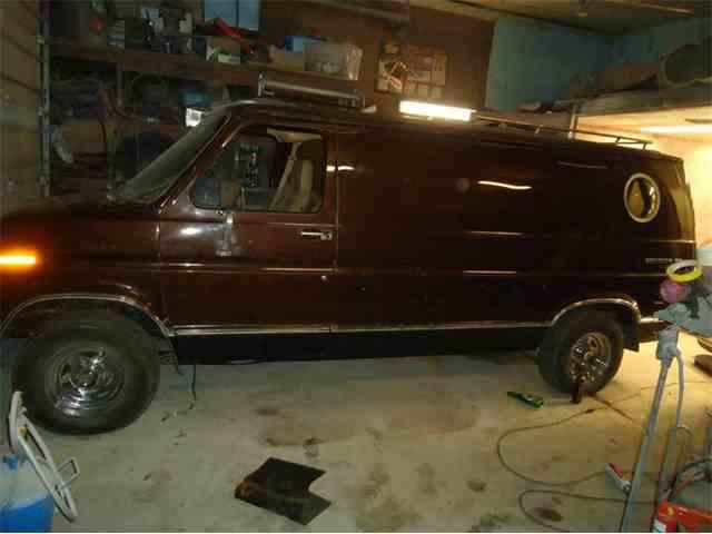 1977 Ford E150 | 1042379