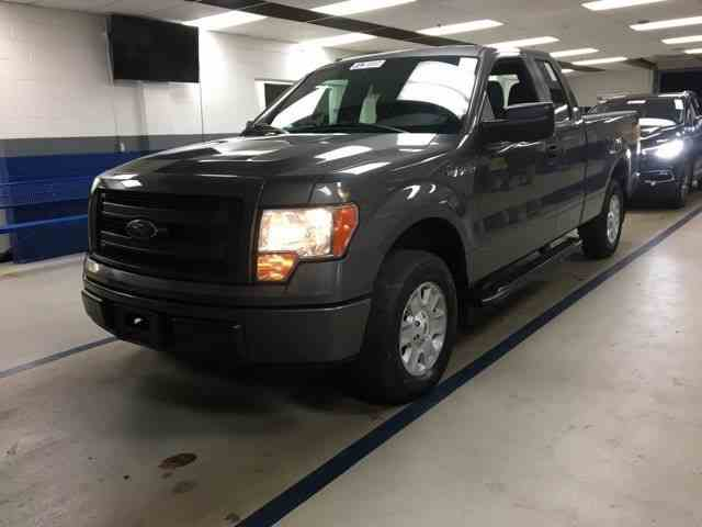 2013 Ford F150 | 1042658