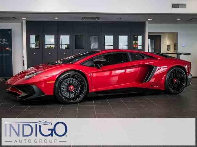 2016 Lamborghini LP750-4 | 1042699