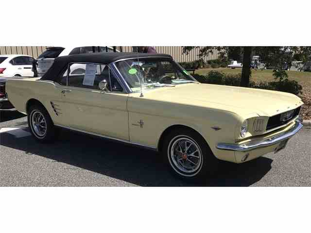 1965 Ford Mustang | 1043188