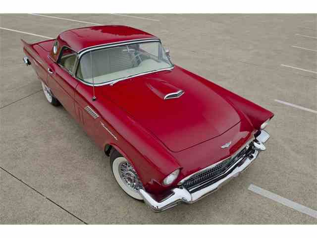 1957 Ford Thunderbird   1043216