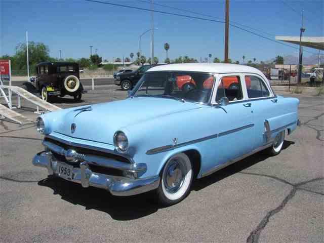 1953 Ford Crestline | 1043352