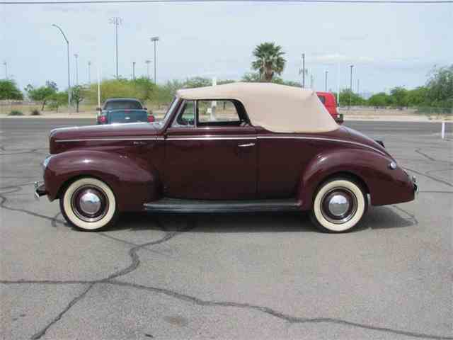 1940 Ford Super Deluxe | 1043356