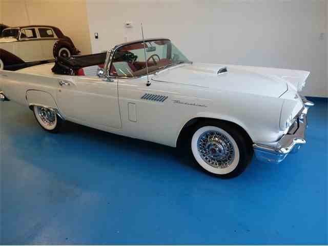 1957 Ford Thunderbird | 1043624