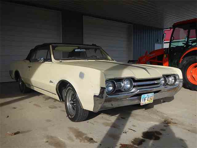 1967 Oldsmobile Cutlass | 1043776