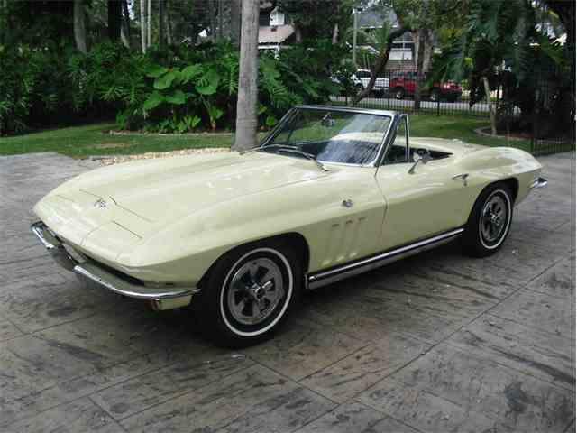1965 Chevrolet Corvette | 1043881