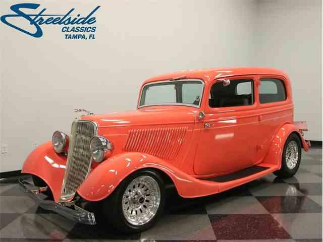 1933 Ford Tudor | 1043914