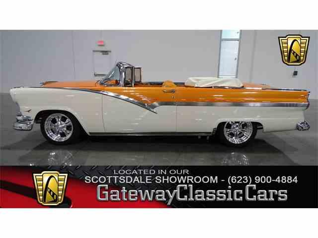 1956 Ford Sunliner | 1044231