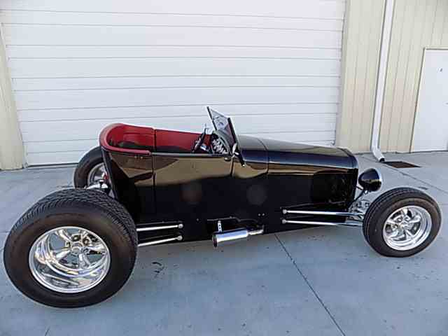 1923 Ford Roadster | 1045060
