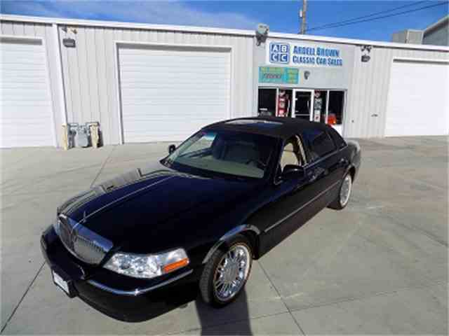 Picture of 2006 Lincoln Town Car located in Midvale Utah - MEF5
