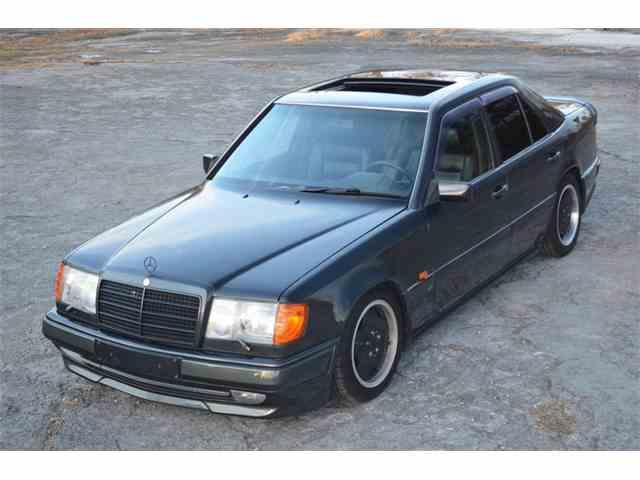 1990 Mercedes-Benz 300E | 1045300