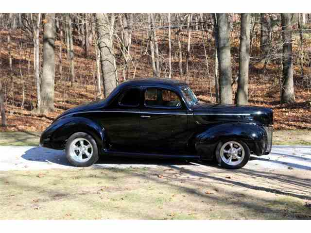 1940 Ford Deluxe | 1045681