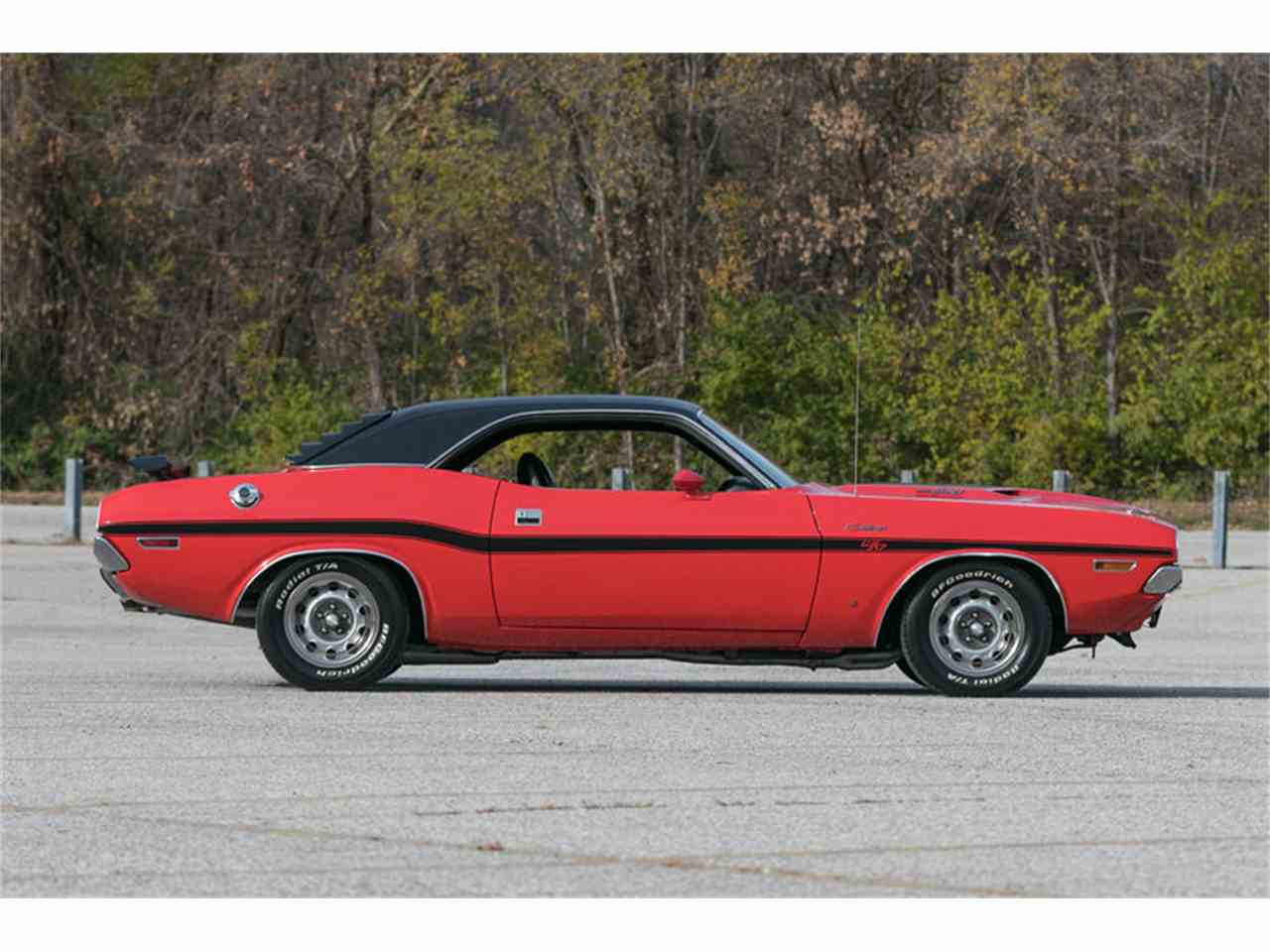 Large Picture of Classic 1970 Dodge Challenger R/T located in Missouri - MF41