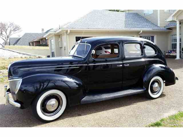 1939 Ford Deluxe | 1040666