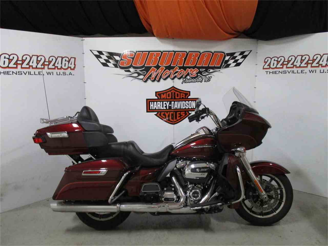 Large Picture of '17 FLTRU - Road Glide® Ultra located in Wisconsin Offered by Suburban Motors, Inc. - MB0I