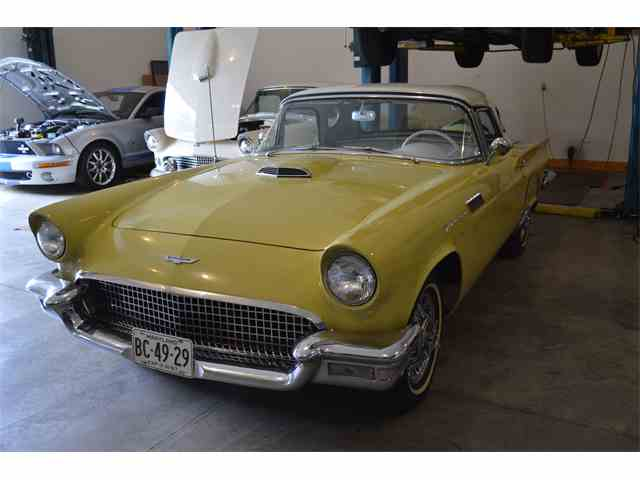 1957 Ford Thunderbird | 1048321