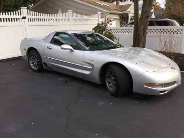 2001 Chevrolet Corvette Z06 | 1048623