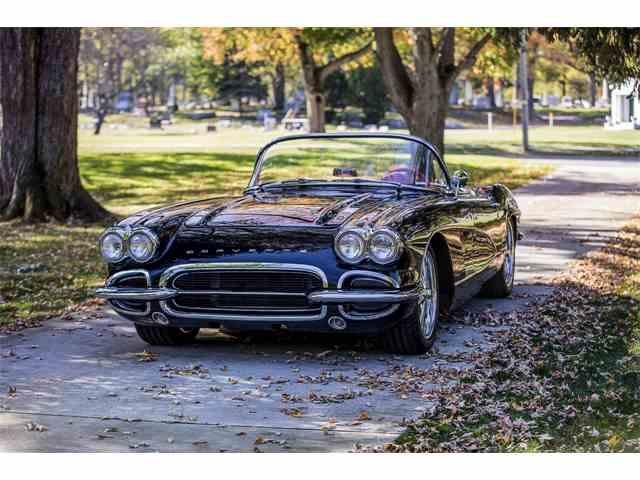 1961 Chevrolet Corvette | 1048684