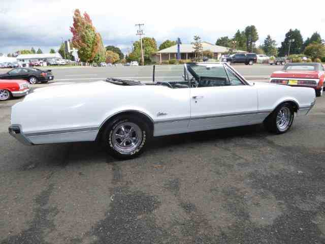 1966 Oldsmobile Cutlass | 1048695