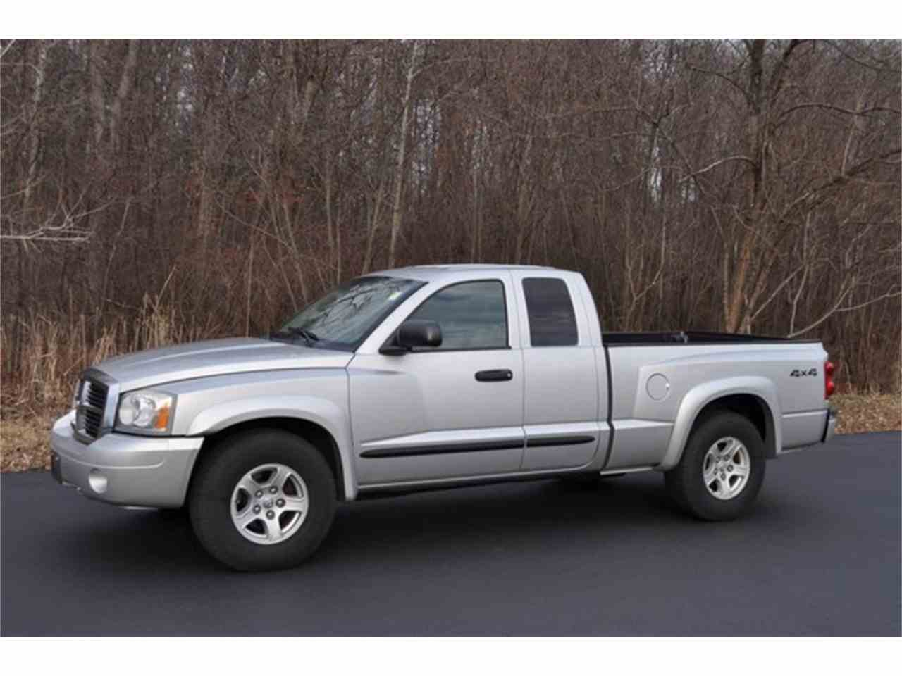 Large Picture of '05 Dakota - MHA6