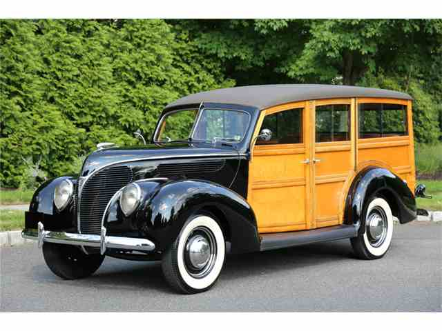 1938 Ford 1 Ton Flatbed | 1049073