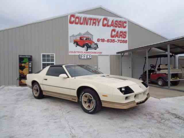 Picture of 1984 Chevrolet Camaro located in Illinois Offered by Country Classic Cars - MHJC