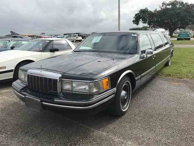 1992 Lincoln Limousine | 1040985