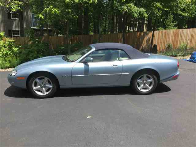 Picture of '97 Jaguar XK8 located in Boiling Springs Pennsylvania - $19,500.00 Offered by a Private Seller - MN3T