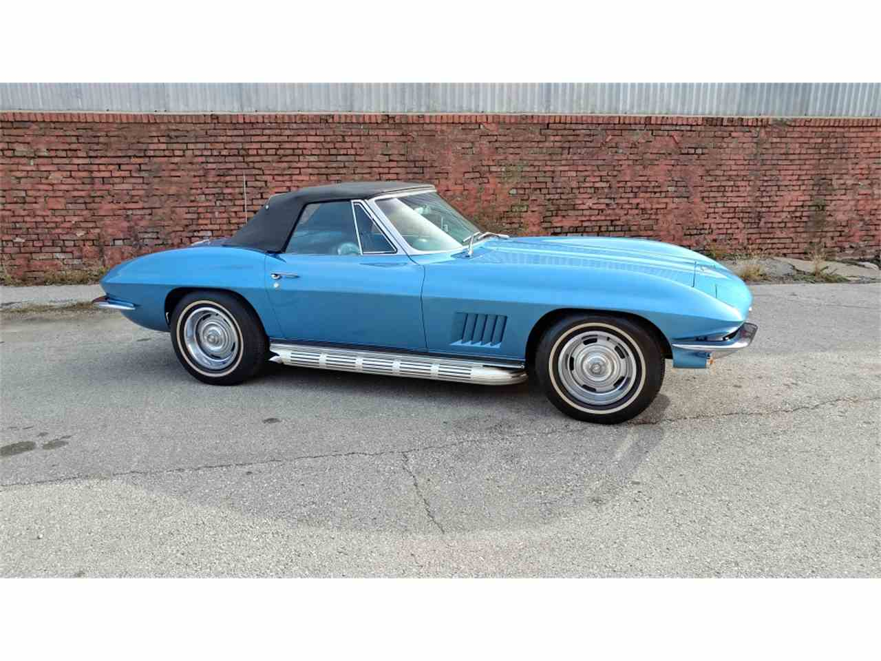 Large Picture of '67 Corvette - MO2L