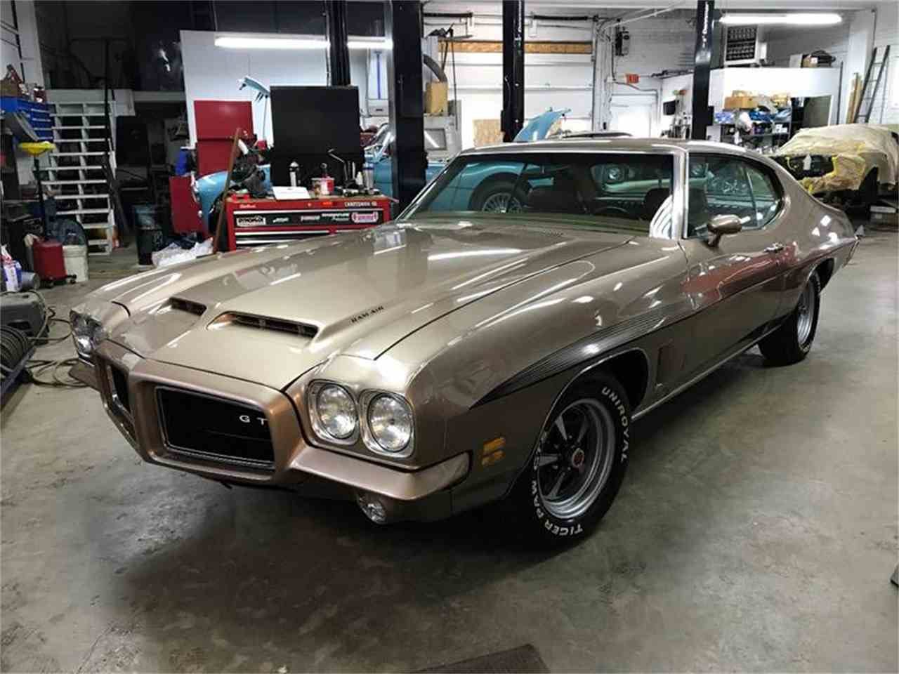 Large Picture of '72 GTO - MO68