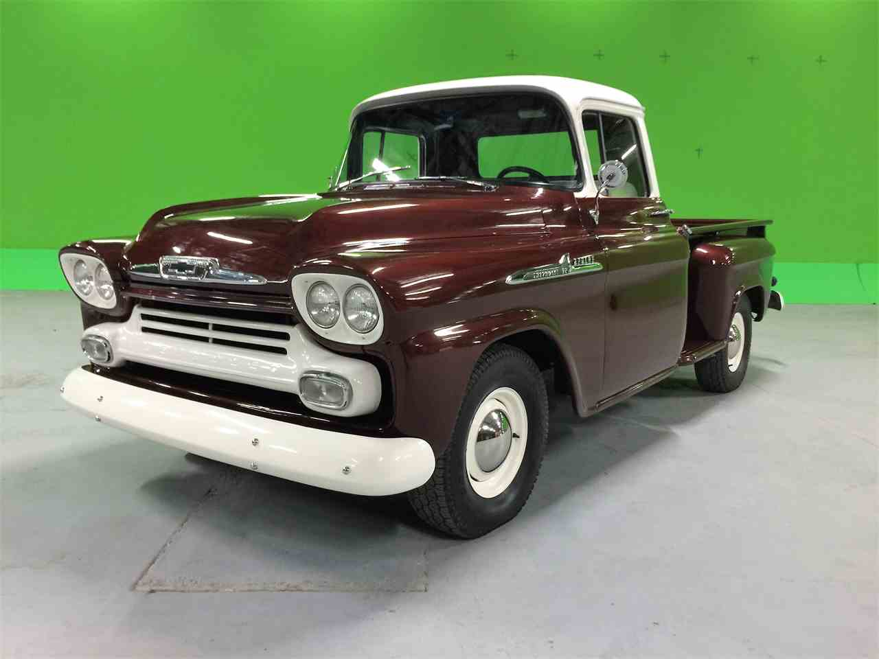 Large Picture of '58 Apache 32 - MO92