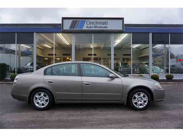 Picture of 2005 Altima Offered by Cincinnati Auto Wholesale - MQUL