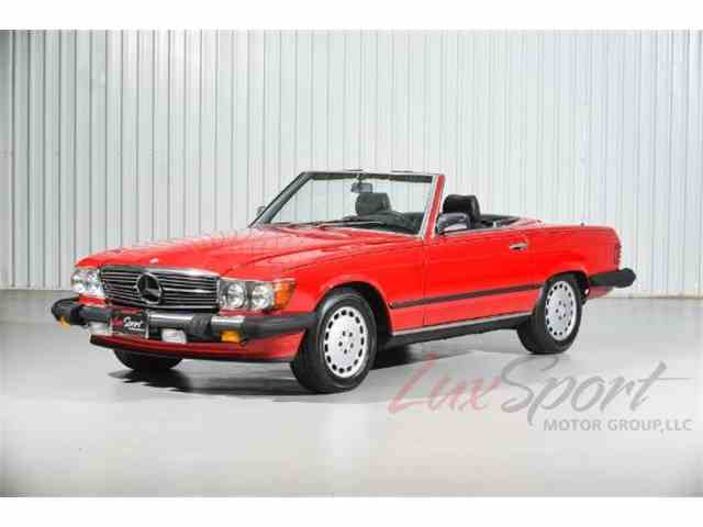 Picture of '89 Mercedes-Benz 560SL located in New Hyde Park New York - $29,995.00 - MTQO
