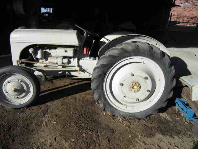 Picture of '39 9N Tractor - MUF0